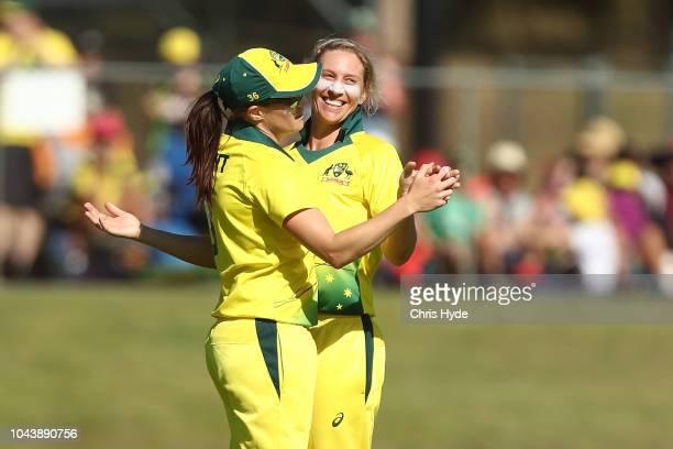Delissa Kimmince of Australia celebrates dismissing Amy Satterthwaite of New Zealand during game two of the Women's International Twenty20 series...