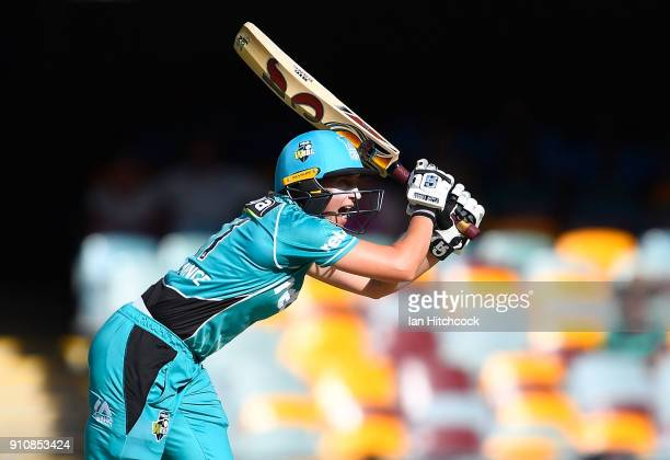 Delissa Kimmince of the Heat bats during the Women's Big Bash League match between the Brisbane Heat and the Sydney Thunder at The Gabba on January...
