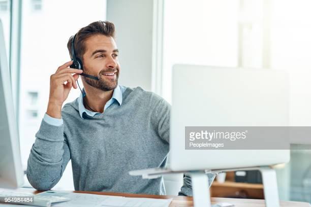leveren van een professioneel, behulpzaam en hoge kwaliteit van de dienstverlening aan alle - headset stockfoto's en -beelden