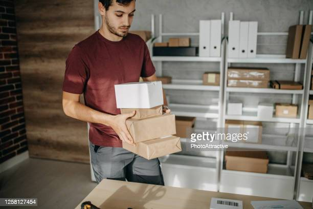 delivery business - sending stock pictures, royalty-free photos & images