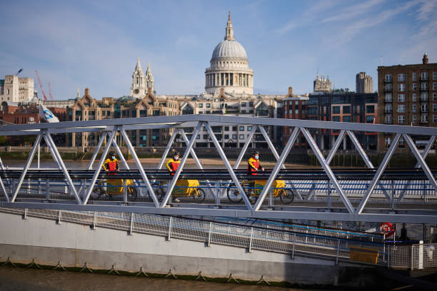 GBR: DHL Launches Parcel Delivery Service On River Thames