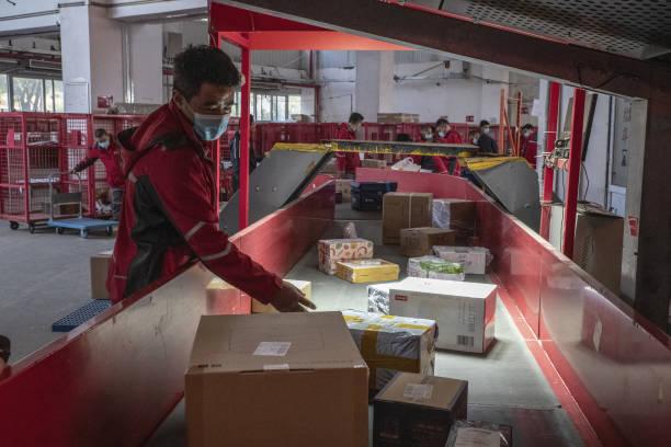 CHN: Operations at a JD.com Warehouse