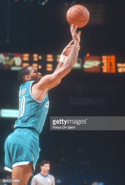 Dell Curry of the Charlotte Hornets shoots against the Washington Bullets during an NBA basketball game circa 1991 at the Capital Centre in Landover...