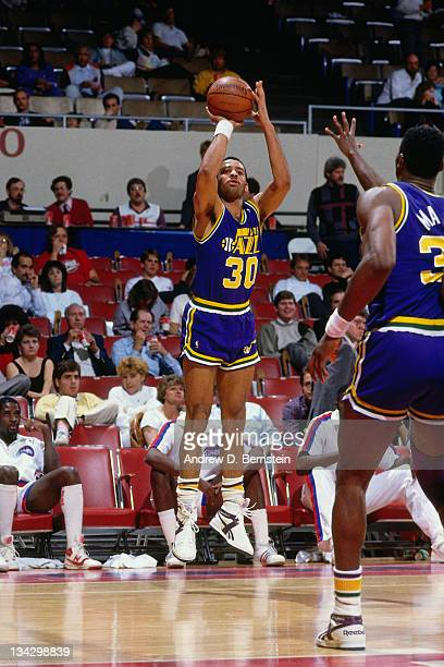 Dell Curry of the Utah Jazz shoots against the Los Angeles Clippers circa 1987 at the LA Sports Arena in Los Angeles California NOTE TO USER User...