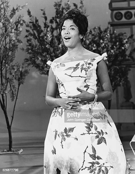 Della Reese Singing