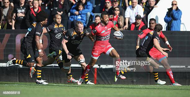 Delon Armitage of Wasps breaks with the ball during the European Rugby Champions Cup quarter final match between RC Toulon and Wasps at the Felix...