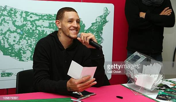 Delonte West attends the TMobile celebration of the partnership with Boston Celtics with Tip Off Tuesdays and Meet Greet with Delonte West at TMobile...