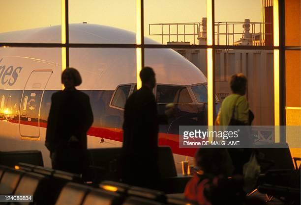 Delta Air Lines In Atlanta, United States In January, 2001 - Boarding B-777 Delta.