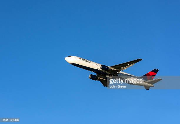 Delta Airline jet taking off from the Atlanta airport hub