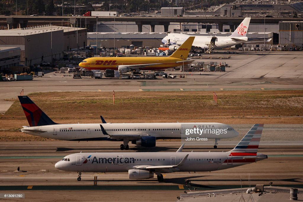 Delta Airlines Boeing 757 and an American Airlines Airbus