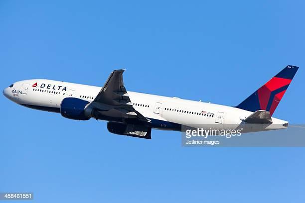 デルタ航空のボーイング 777-200 /lr - デルタ航空 ストックフォトと画像