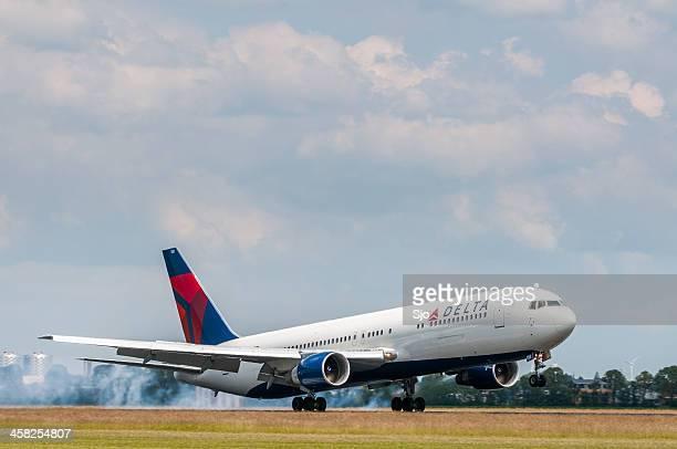 Delta airlines landing