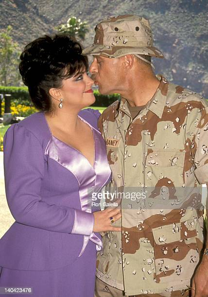 Delta Burke and Gerald McRaney at the Taping of Bob Hope's TV Special 'Bob Hope's Yellow Ribbon Party' Bob Hope's Palm Springs Home Palm Springs