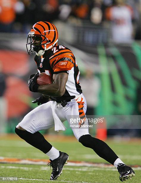 Deltha O'Neal of the Cincinnati Bengals runs the kick return during the game against the Denver Broncos on October 25 2004 at Paul Brown Stadium in...