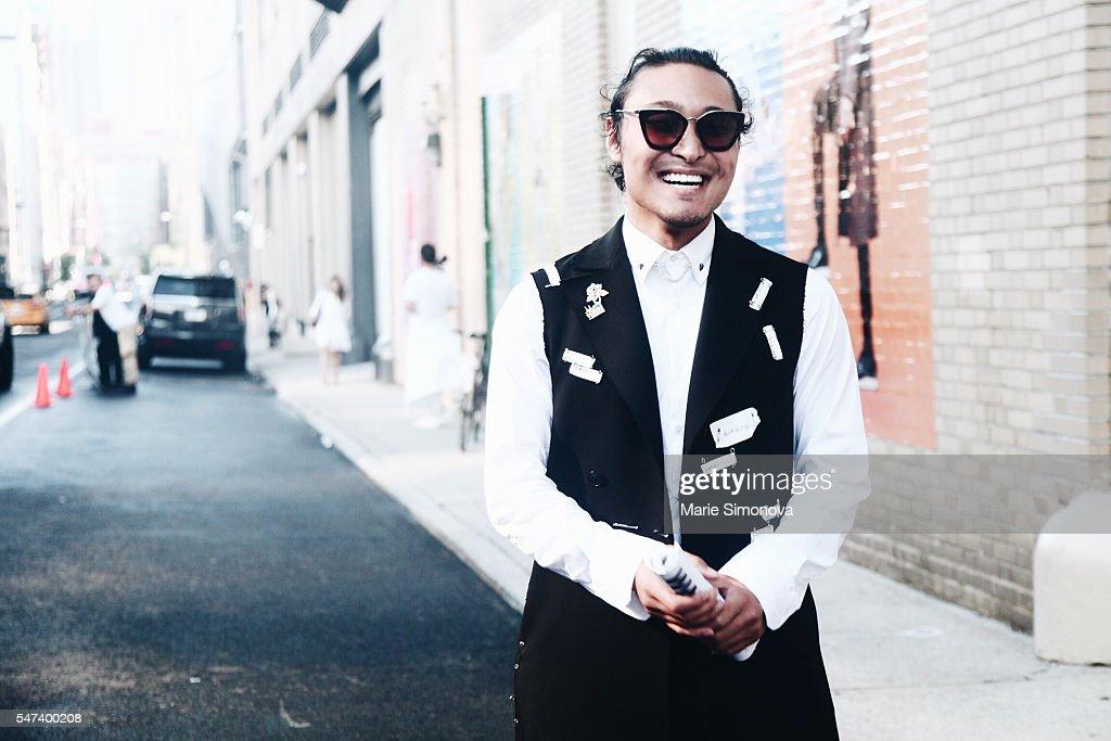 NY: Street Style - New York Fashion Week: Men's S/S 2017 - Day 4
