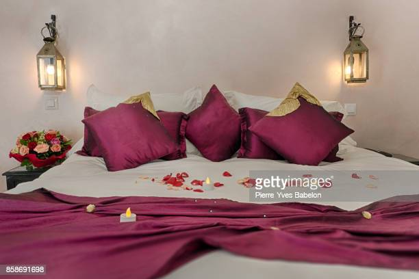 deluxe doube hotel room - pierre yves babelon stock pictures, royalty-free photos & images