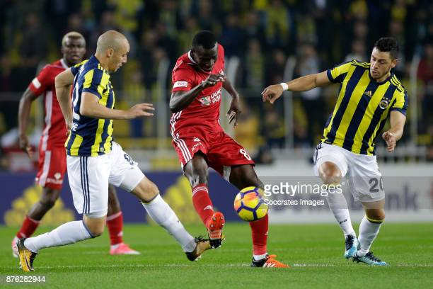 Delvin Ndinga of Sivasspor, Guiliano Victor De Paulo of Fenerbahce during the Turkish Super lig match between Fenerbahce v Sivasspor at the Sukru...