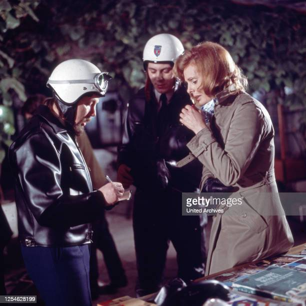 Dem Täter auf der Spur, Fernsehserie, Deutschland 1967 - 1973, Regie: Jürgen Roland, Episode: Blinder Hass, Darsteller: Ruth Maria Kubitschek.