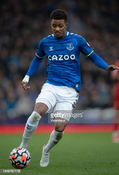 Demarai Gray of Everton in action during the Premier League match between Everton and Watford at Goodison Park on October 23, 2021 in Liverpool,...