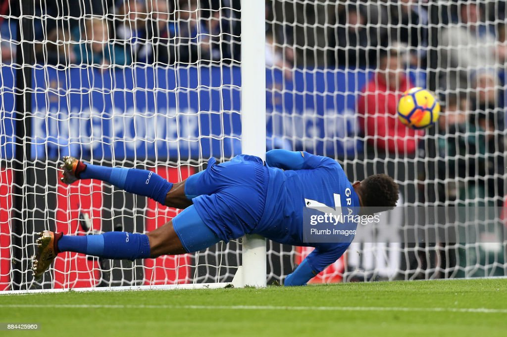 Demarai Gray of Leicester City heads the ball home to make it 1-0 the Premier League match between Leicester City and Burnley at King Power Stadium on December 2nd, 2017 in Leicester, United Kingdom.