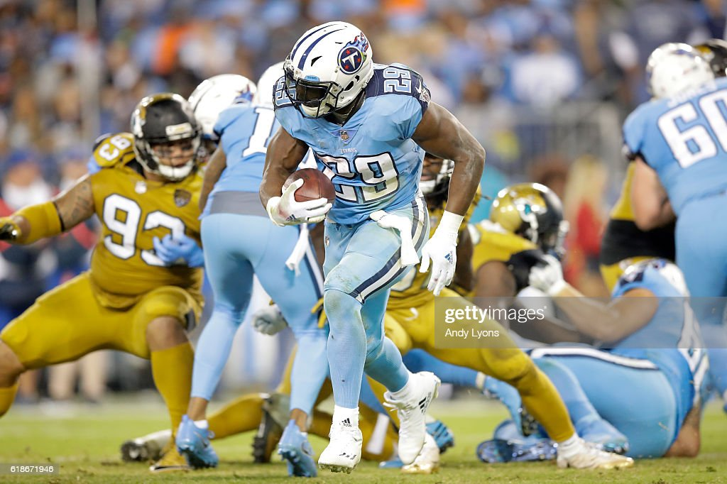 DeMarco Murray #29 of the Tennessee Titans runs with the ball during the game against the Jacksonville Jaguars at Nissan Stadium on October 27, 2016 in Nashville, Tennessee.