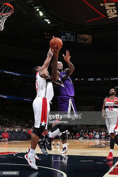 DeMarcus Cousins of the Sacramento Kings shoots against the Washington Wizards at the Verizon Center on February 9 2014 in Washington DC NOTE TO USER...