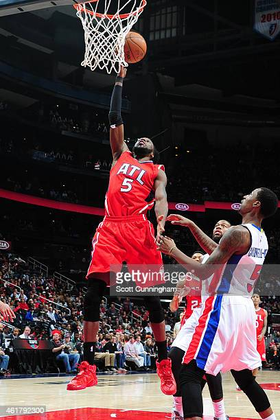 DeMarre Carroll of the Atlanta Hawks puts up a shot against the Detroit Pistons on January 19 2015 at Philips Arena in Atlanta Georgia NOTE TO USER...