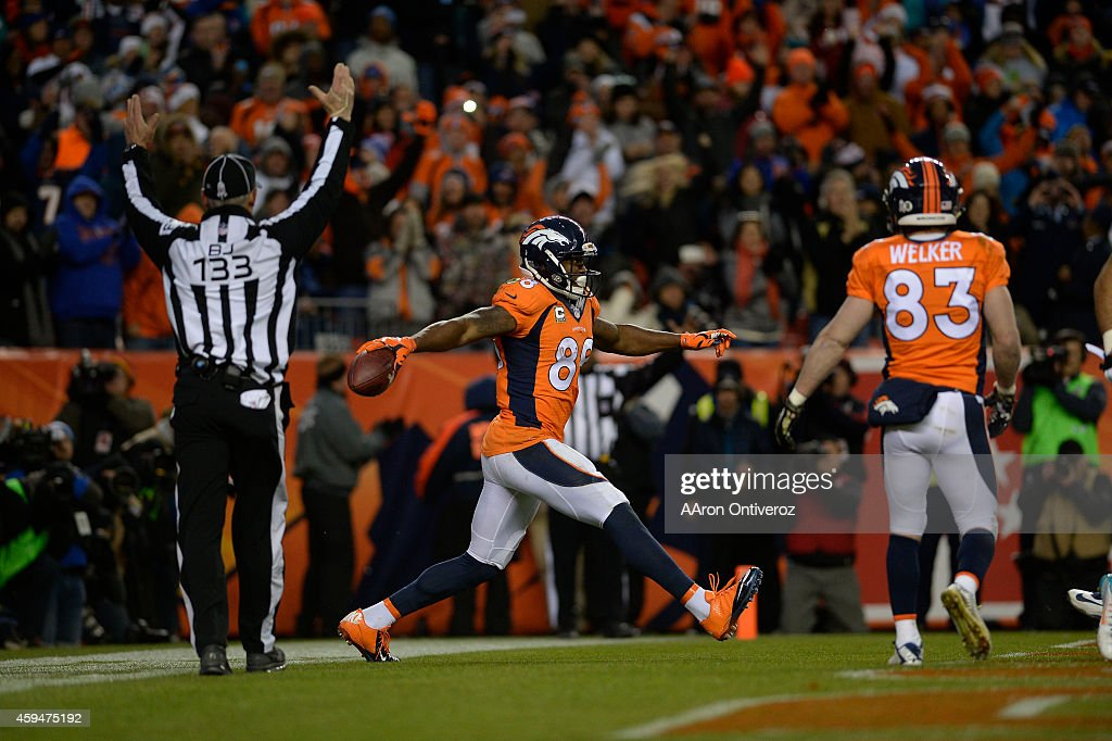 Denver Broncos vs. Miami Dolphins : News Photo