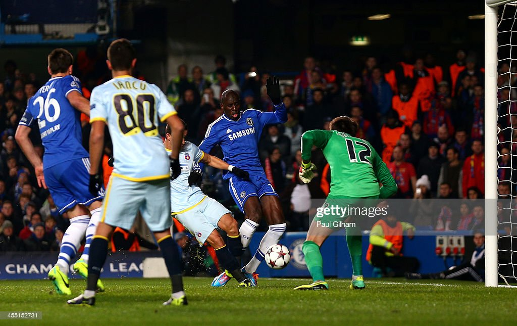 Demba Ba of Chelsea scores the opening goal during the UEFA Champions League Group E match between Chelsea and FC Steaua Bucuresti at Stamford Bridge on December 11, 2013 in London, England.