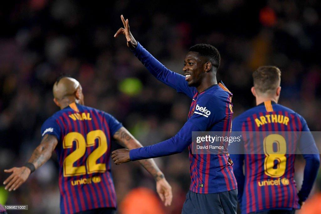 FC Barcelona v Levante - Copa del Rey Round of 16 : ニュース写真