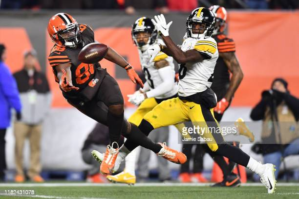 Demetrius Harris of the Cleveland Browns is unable to make a catch in the third quarter as Mike Hilton of the Pittsburgh Steelers defends at...