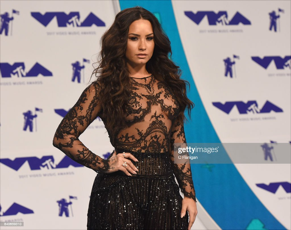 Demi Lovato arrives at the 2017 MTV Video Music Awards at The Forum on August 27, 2017 in Inglewood, California.