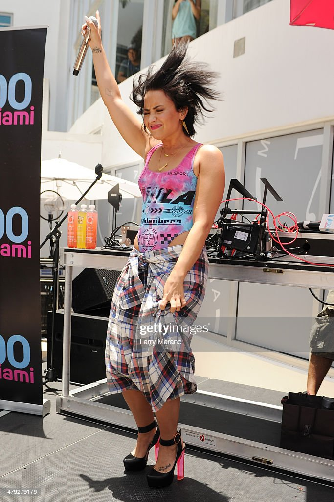 Demi Lovato performs at the Y-100 cool for the summer pool party held at the Fontainebleau on July 2, 2015 in Miami Beach, Florida.