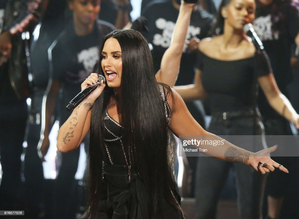 2017 American Music Awards - Show : News Photo