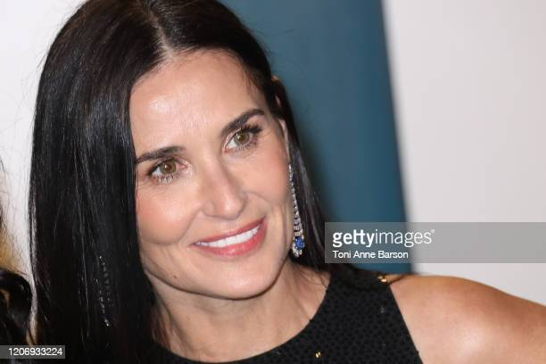 Demi Moore attends the 2020 Vanity Fair Oscar Party at Wallis Annenberg Center for the Performing Arts on February 09 2020 in Beverly Hills California