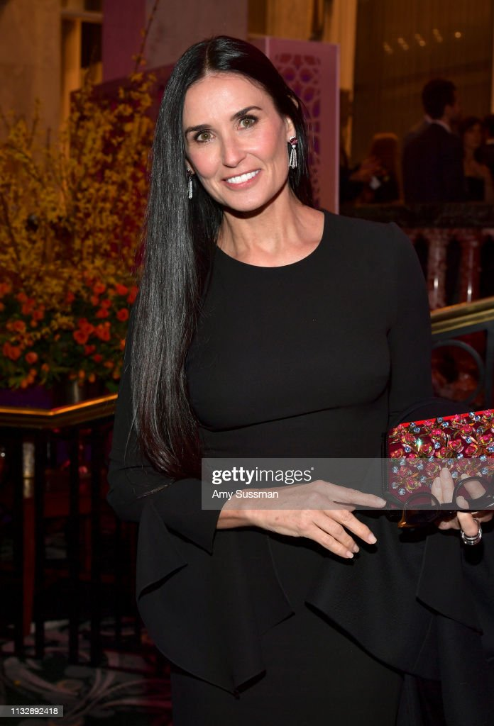 The Women's Cancer Research Fund's An Unforgettable Evening Benefit Gala - Cocktails : News Photo