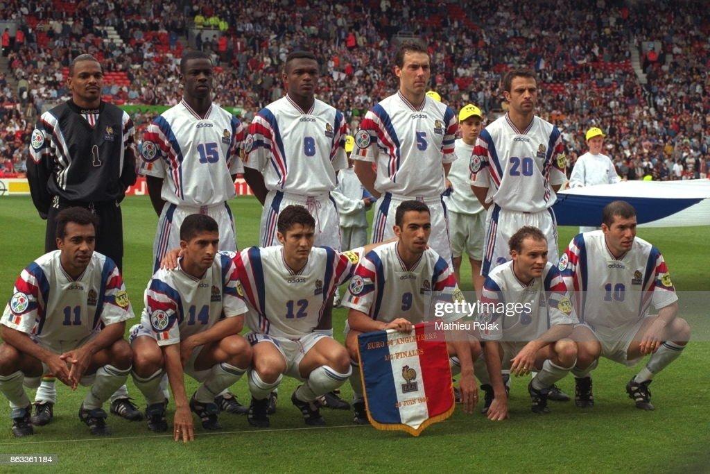 Demi-finale de l'Euro 96 à Manchester: Match France - République Tchèque : Photo d'actualité