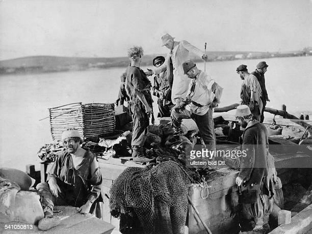DeMille Cecil Blount Film director USA *12081881 during shootings of the movie 'The Volga Boatman' Directed by Cecil B DeMille USA 1926 Vintage...