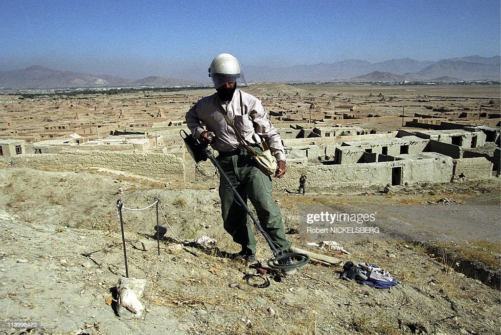 Demining in residential area In Kabul, Afghanistan On October 15, 1996- : News Photo