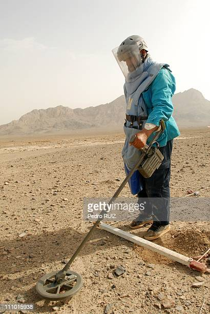 Demining procedure Province: Khandahar/ District: Panjwayi./ Village: Salehan, Afghanistan on July 18th, 2007 - Afghanistan remains one of the most...