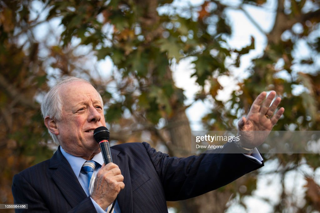 Democratic Senate Candidate Phil Bredesen Holds Fish Fry In Nashville, Tennessee : News Photo