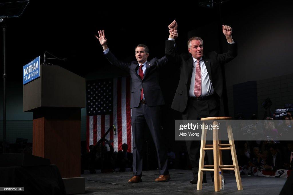 Barack Obama Campaigns With Democratic Gubernatorial Candidate Ralph Northam : News Photo