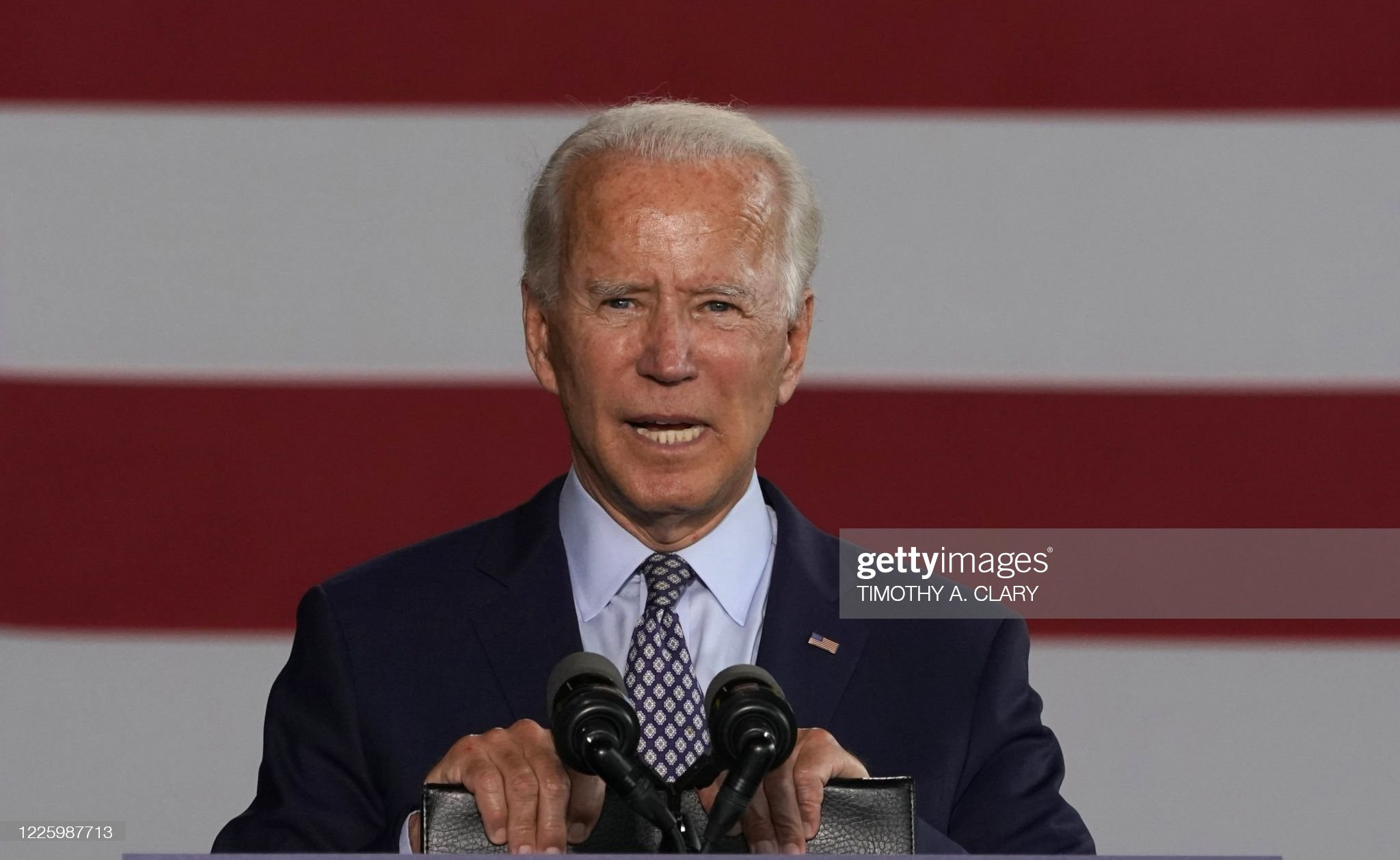 US-POLITICS-BIDEN-VOTE-INDUSTRY : News Photo
