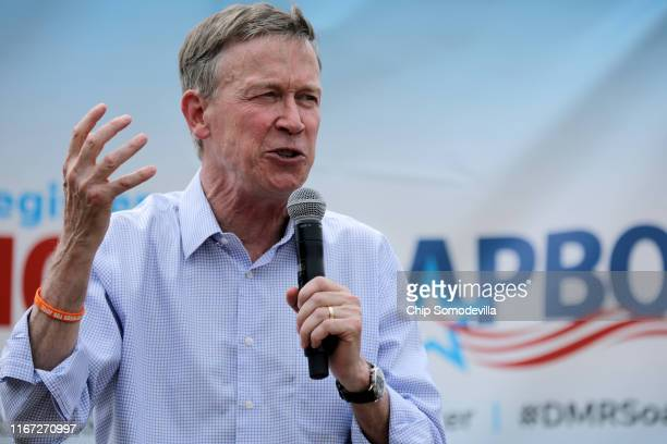 Democratic presidential candidate and former Colorado Governor John Hickenlooper delivers a 20minute campaign speech at the Des Moines Register...