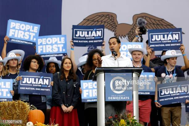 Democratic presidential candidate and former HUD Secretary Julián Castro speaks during the Democratic Polk County Steak Fry on September 21 2019 in...