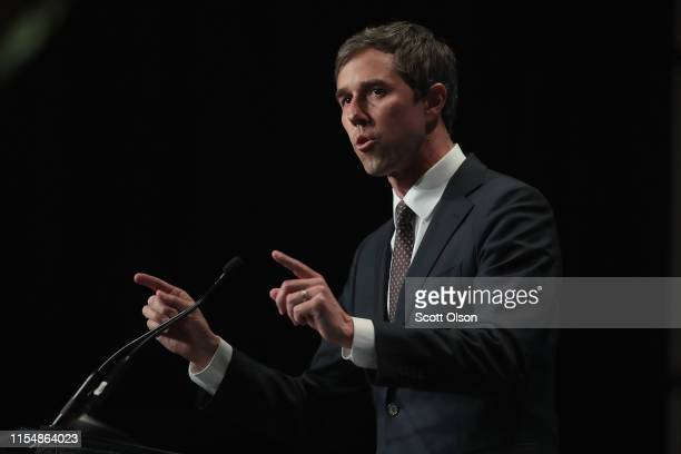 Democratic presidential candidate and former Texas congressman Beto O'Rourke speaks at the Iowa Democratic Party's Hall of Fame Dinner on June 9 2019...