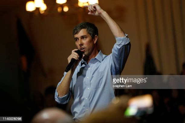 Democratic presidential candidate and former US Rep Beto O'Rourke speaks at a campaign town hall at the Irish Cultural Center on April 28 2019 in San...