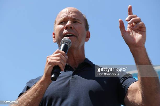 Democratic presidential candidate and former US Rep John Delaney delivers a 20minute campaign speech at the Des Moines Register Political Soapbox at...