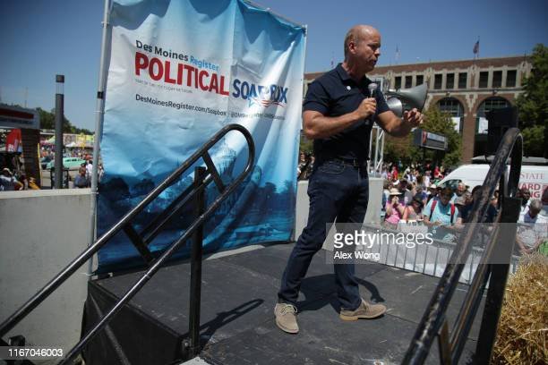 Democratic presidential candidate and former US Rep John Delaney delivers campaign speech at the Des Moines Register Political Soapbox at the Iowa...