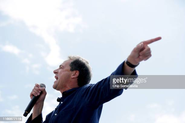 Democratic presidential candidate and Montana Governor Steve Bullock delivers a 20-minute campaign speech at the Des Moines Register Political...